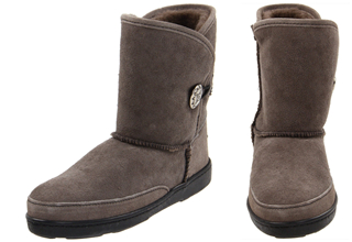 Minnetonka 迷你唐卡 Side Button Classic Pug Boot 雪地靴只要96.75欧!直邮全球!