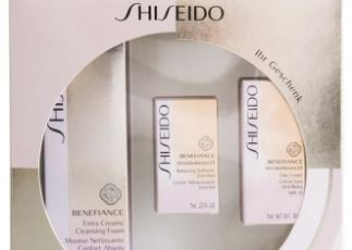 买资生堂Shiseido的benefiance盼丽风姿抗皱洁面膏送爽肤水和乳液