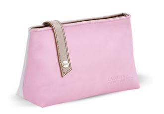 购买Lacoste产品获赠精美Lacoste化妆包