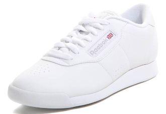 你的鞋柜里正缺一双小白鞋
